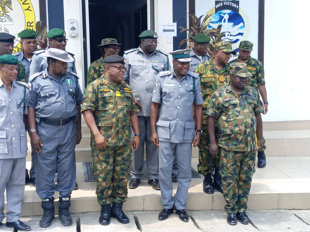 Comptroller Dogara and his officers during courtesy visit to Nigerian Navy 2