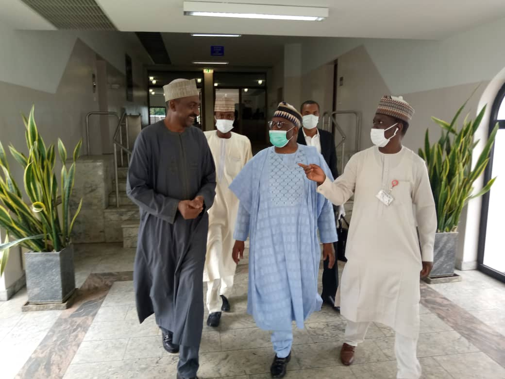 Photos and video of Prof. Gambari's arrival at Villa for today's virtual FEC meeting.