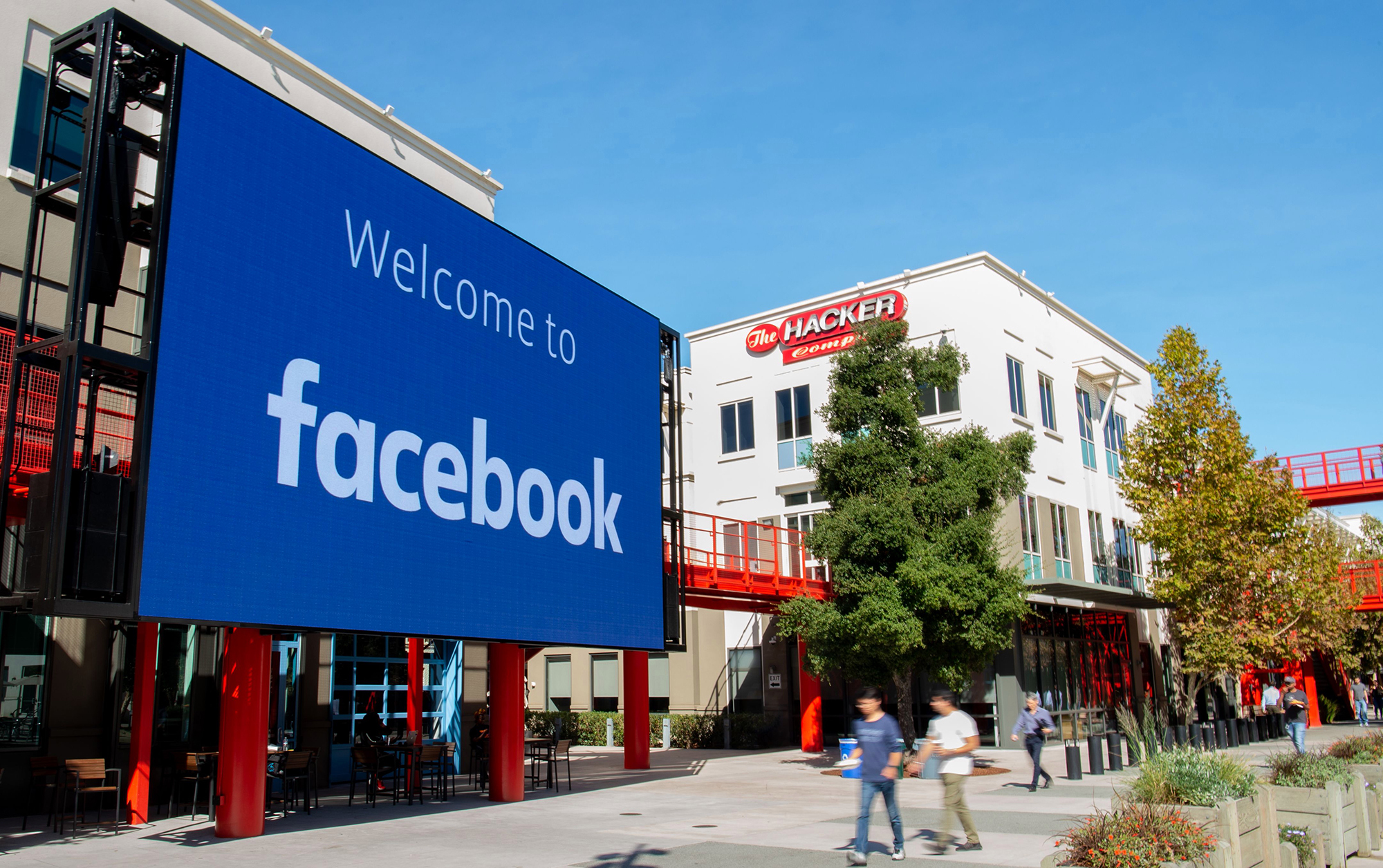 Facebook to Turn Menlo Park Headquarters into Vaccination Site to Speed-Up Drive in US