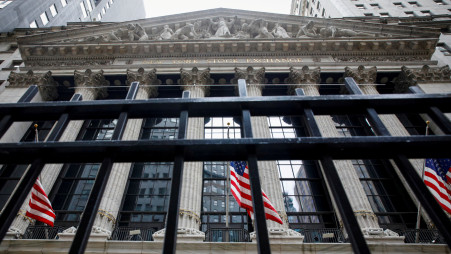 Global Shares Slide Amid Covid Economic Recovery Fears